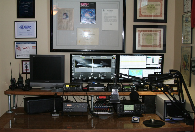 The Great Ham Radio Desk Project Ab4bj