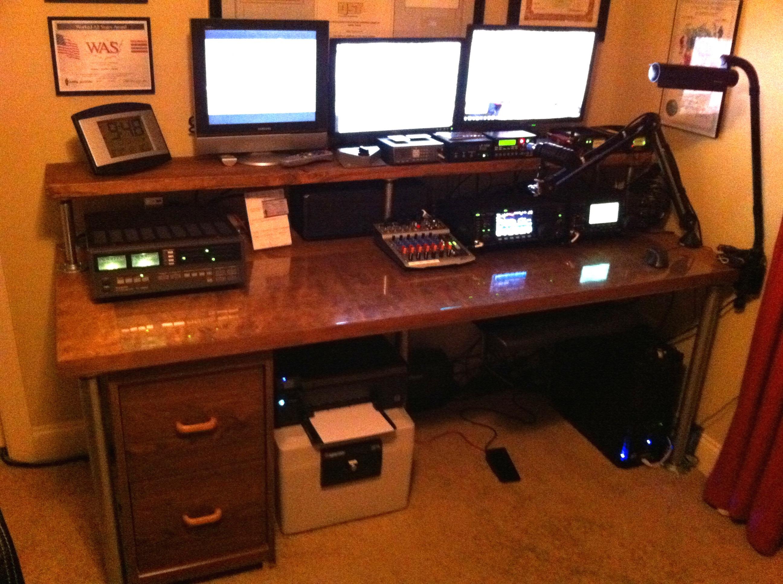 Ham Radio Desk Plans Blueprints gary rogowski woodworking